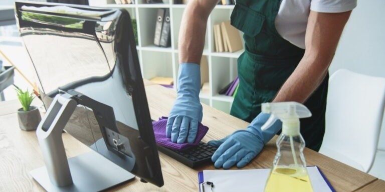 3 Business Benefits of Using Janitorial Cleaning Software
